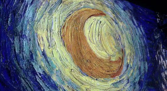 """Image montrant la lune de la toile """"la nuit étoilée"""" de van gogh"""