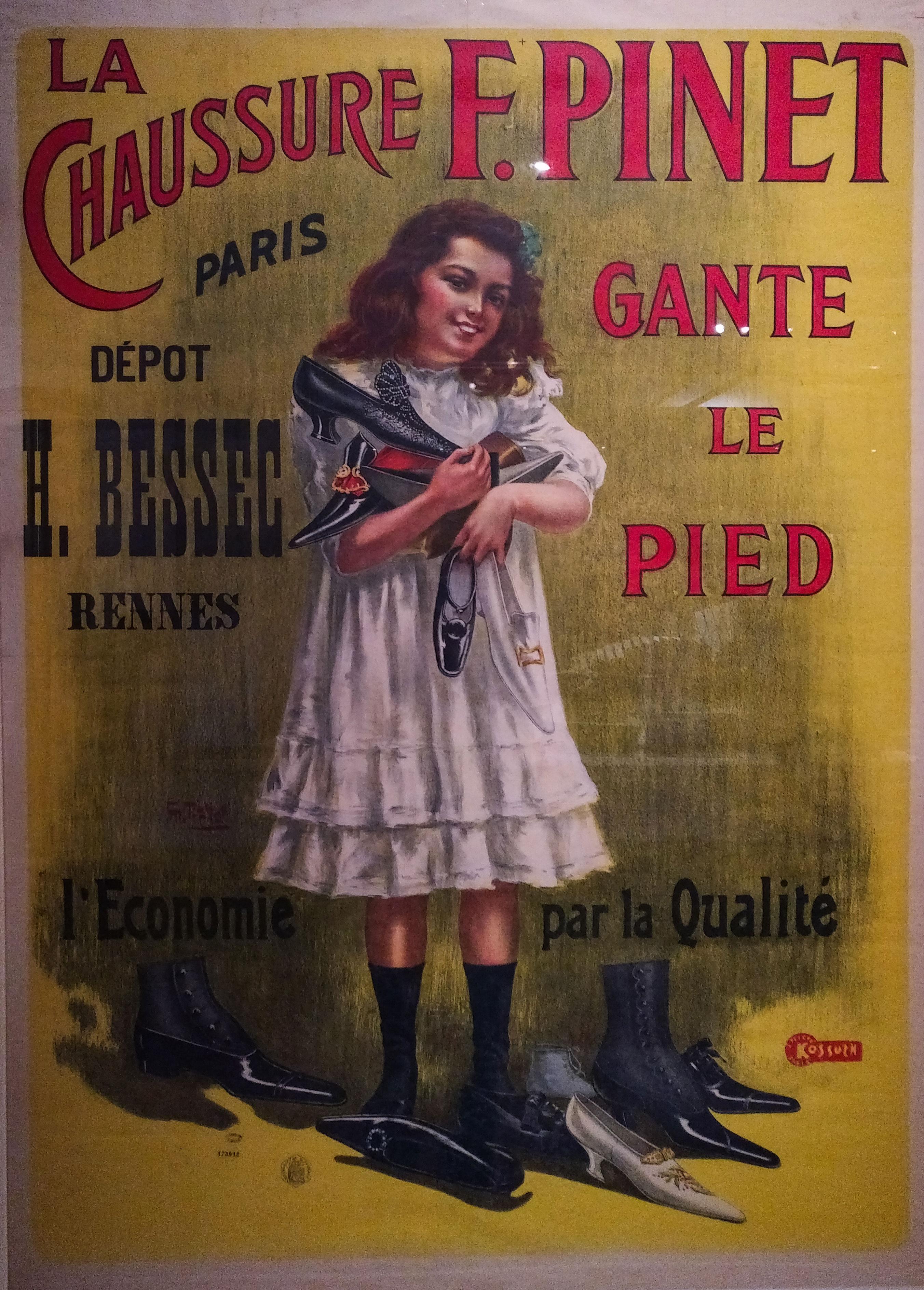 affiche de la marque Pinet où une jeune fille tient dans les bras des souliers